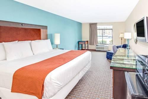 Hotels Near Atlanta Airport With Free Breakfast